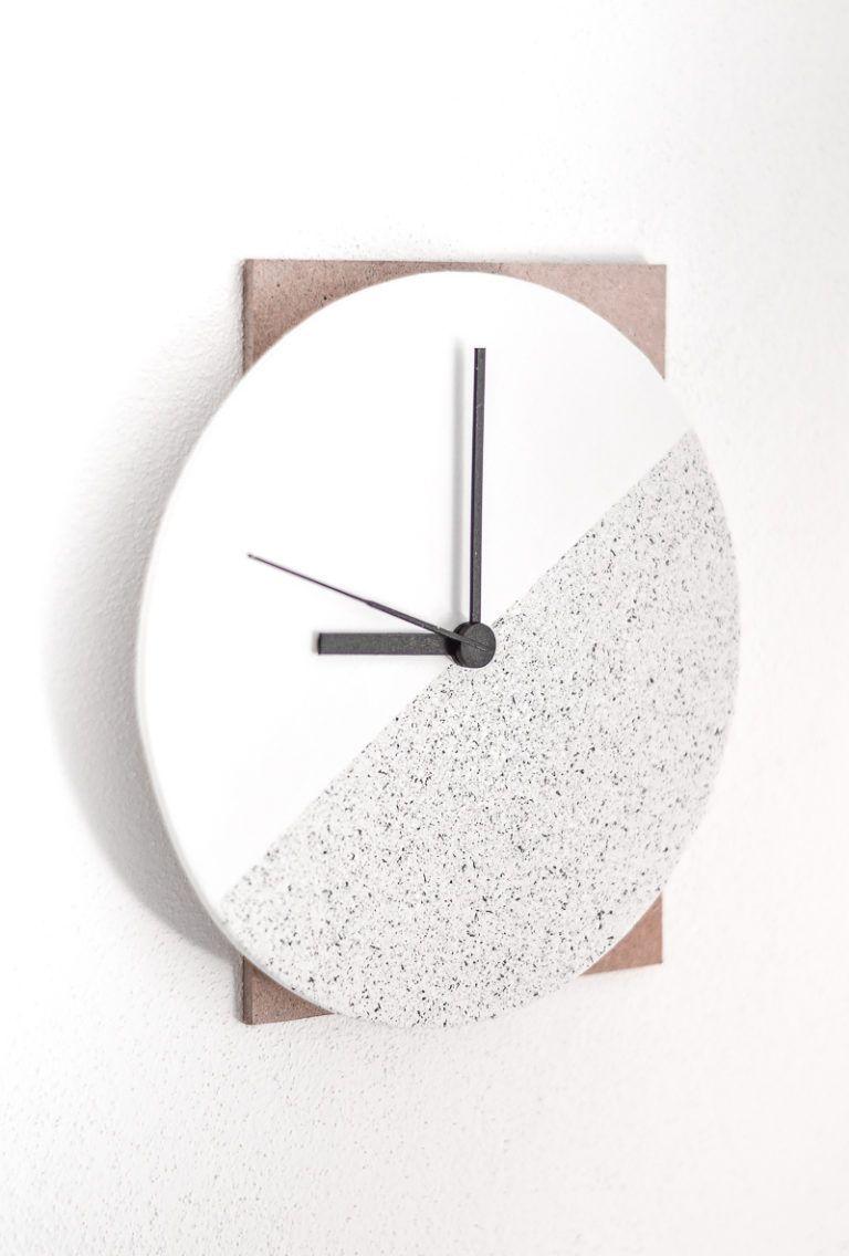 Design Component Clock Minimalist