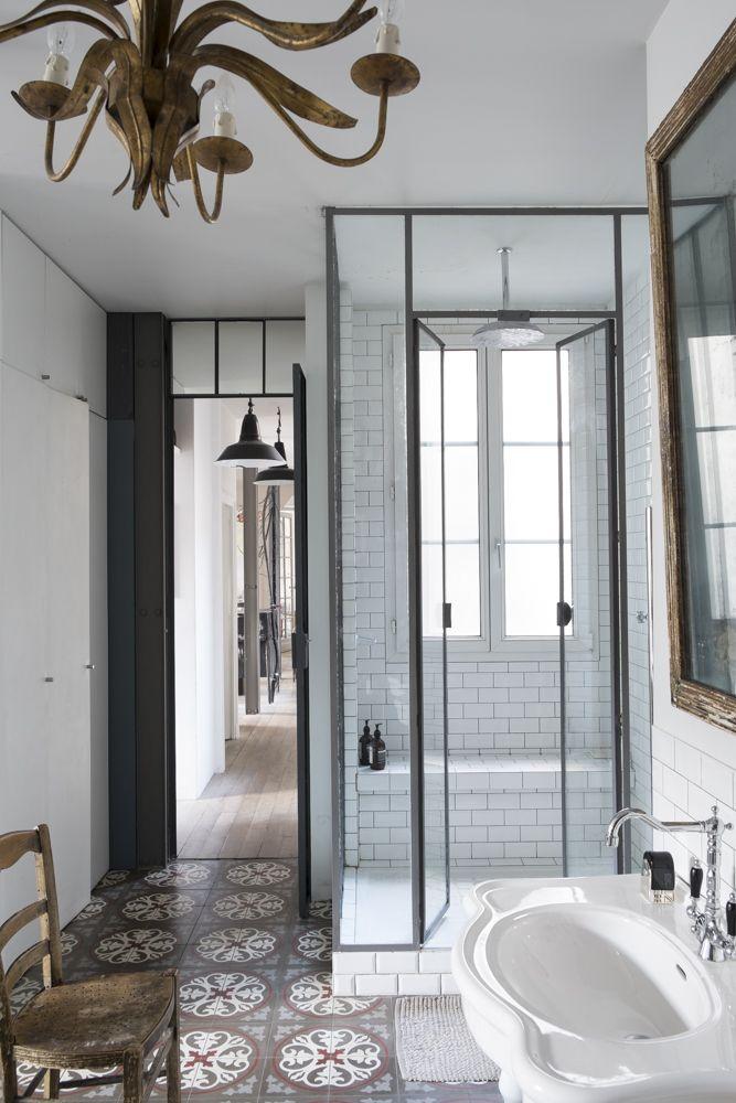 Frame walk in shower design