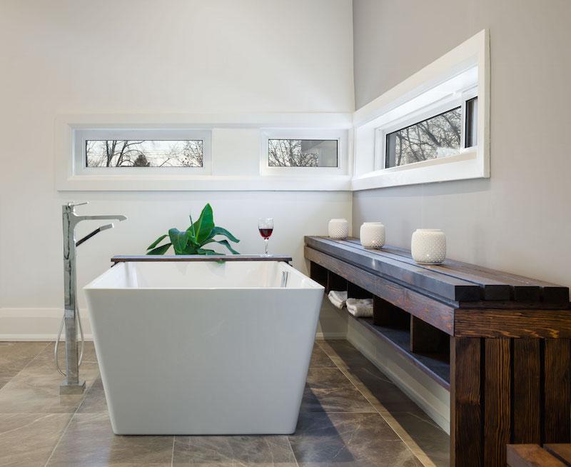 Garden Void House bathroom windows