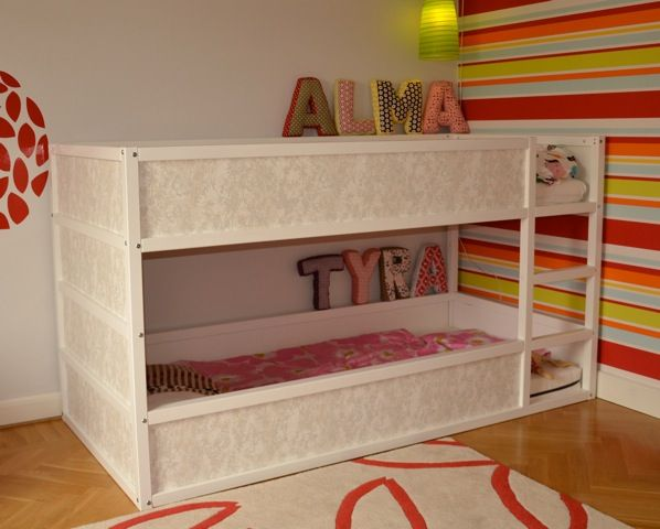 Girly Kura bunk bed - with wallpaper
