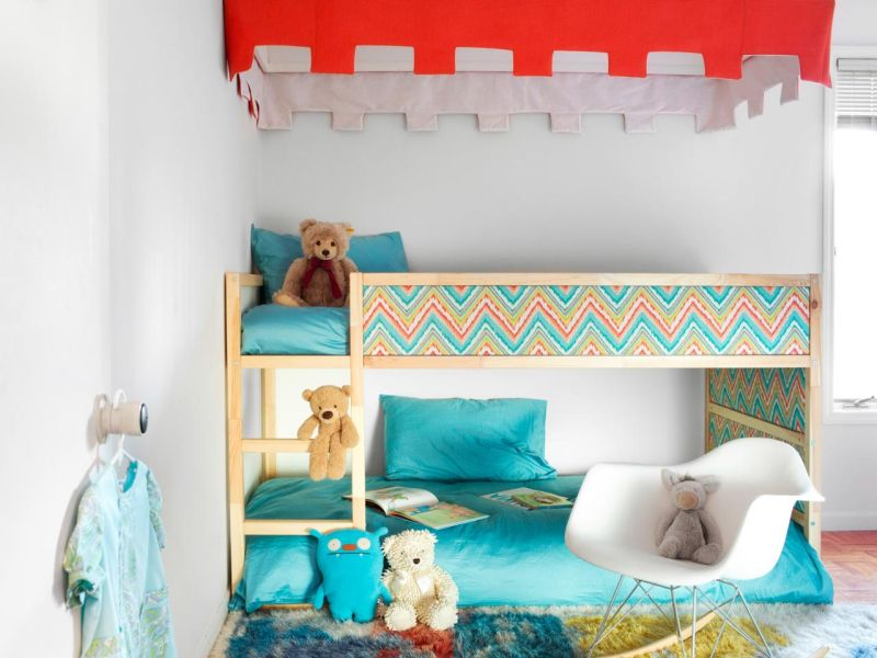 Kura bed with canopy and rich colors