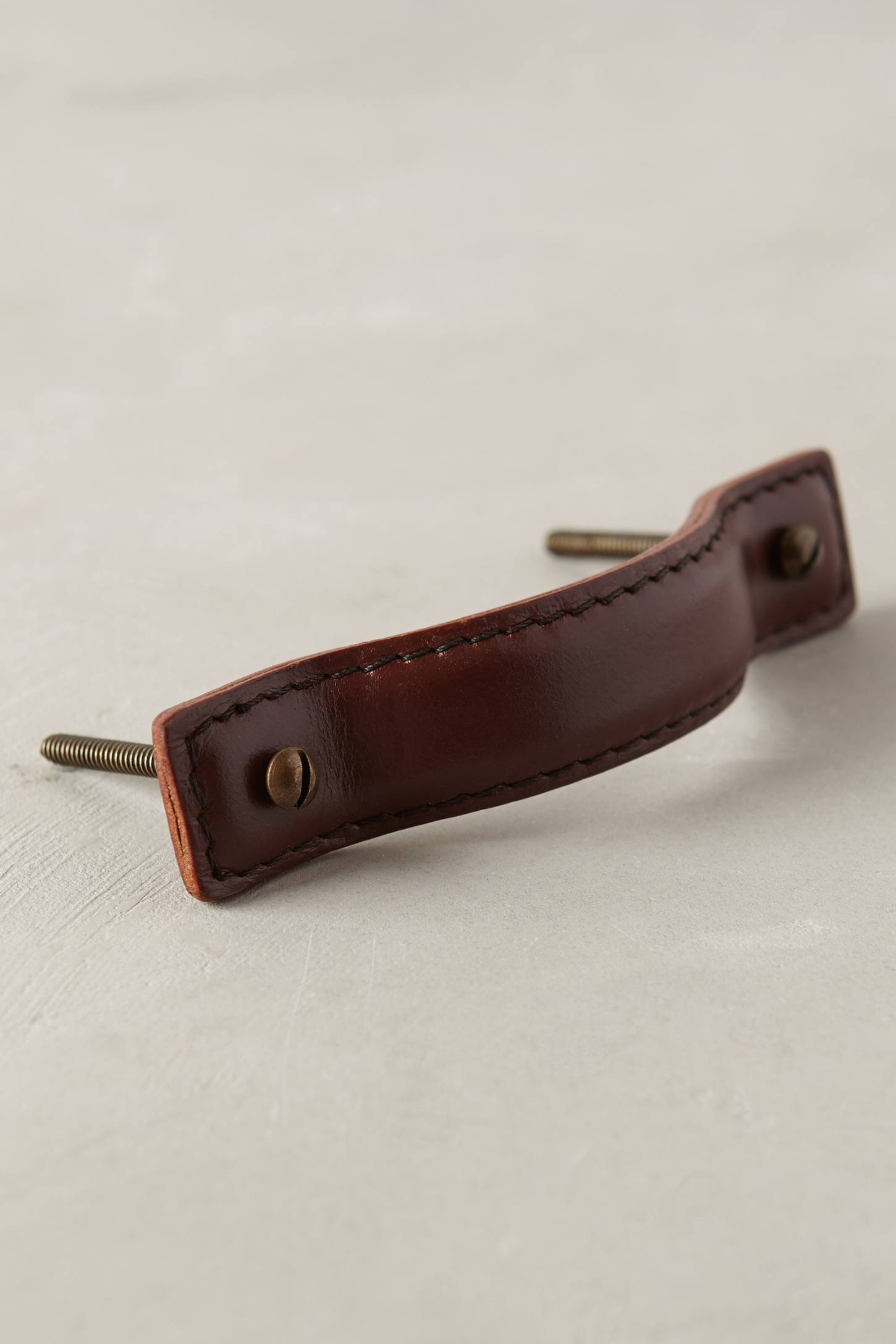 Leather stitch handle