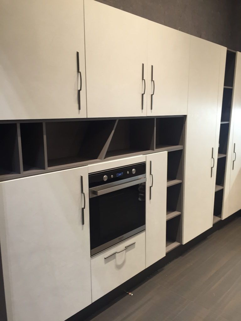 Long And Vertical Kitchen Cabinets Handle