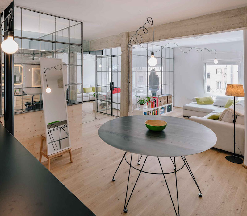 No Bedroom Apartment: Refurbished Apartment Gets Rid Of All Its Doors And Partitions