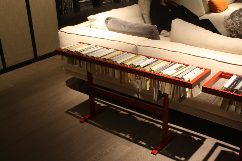 Metallic freestading books storage