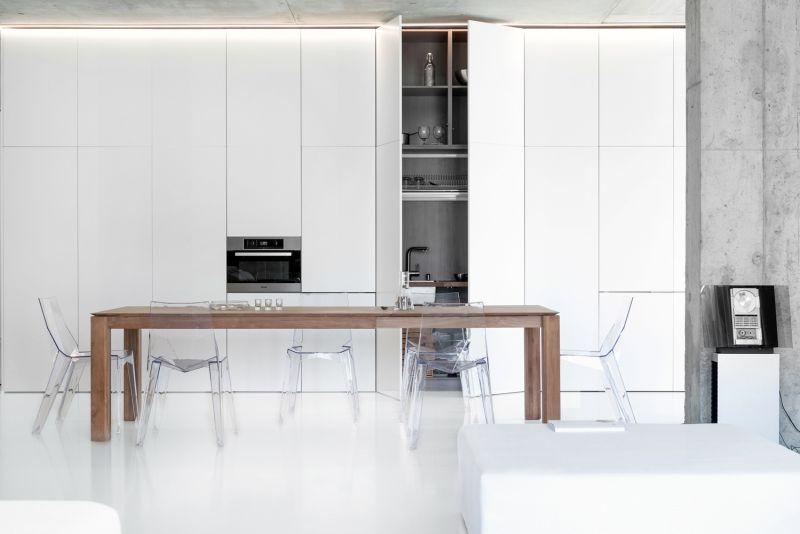 Minimalist Moscow apartment kitchen and dining area