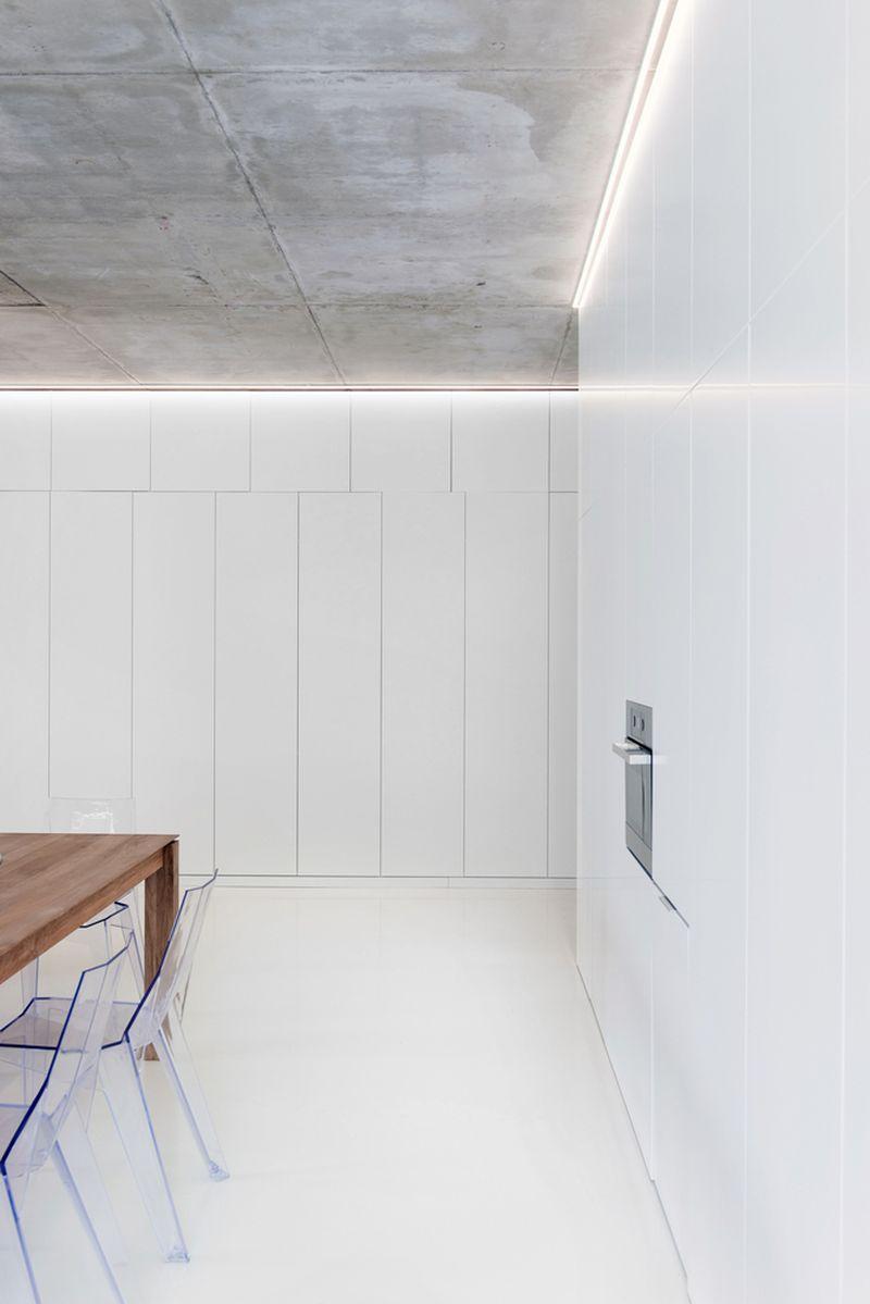 Minimalist Moscow Apartment Kitchen Furniture