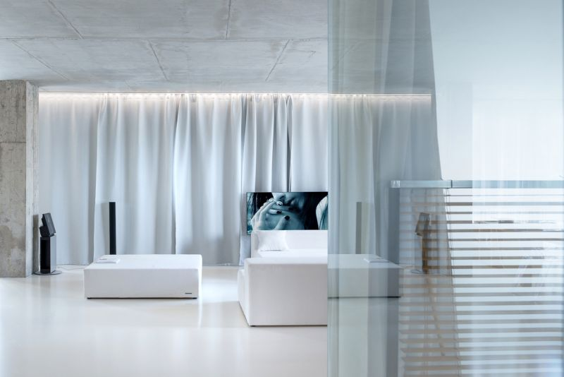 Minimalist Moscow Apartment Living Room Curtains