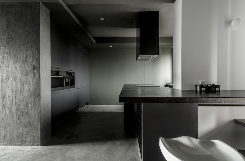 Modern Chinese apartment kitchen island