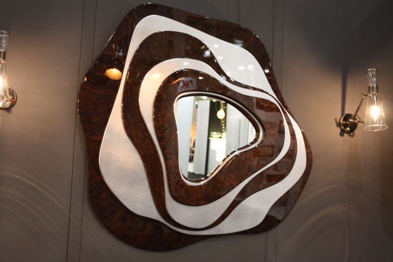 Modern wall mirror with waves design