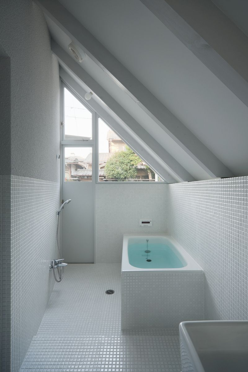 O House extension bathroom