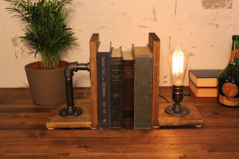 Pipes bookends with lighting
