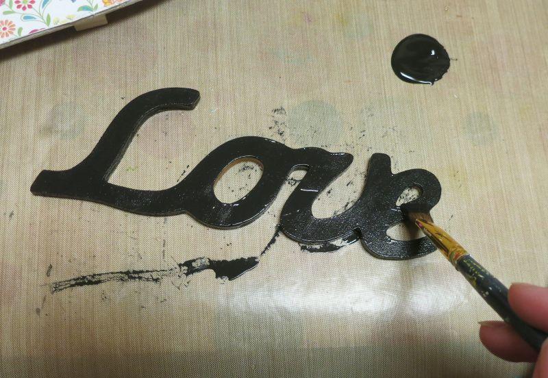 Shabby Chic Wood Heart Decor - black letters