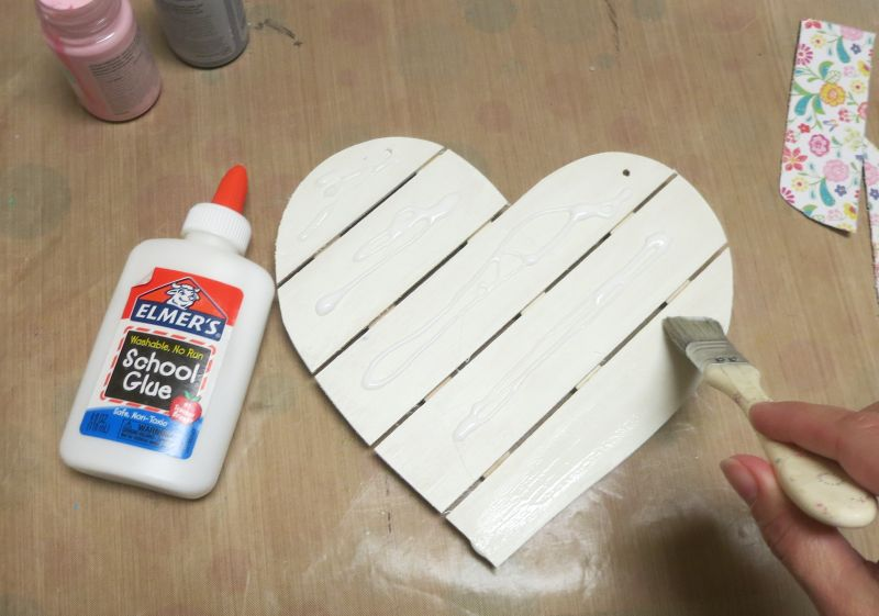 Shabby Chic Wood Heart Decor - glue