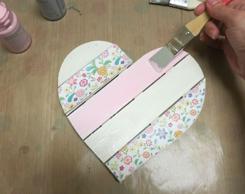 Shabby Chic Wood Heart Decor- paint pink