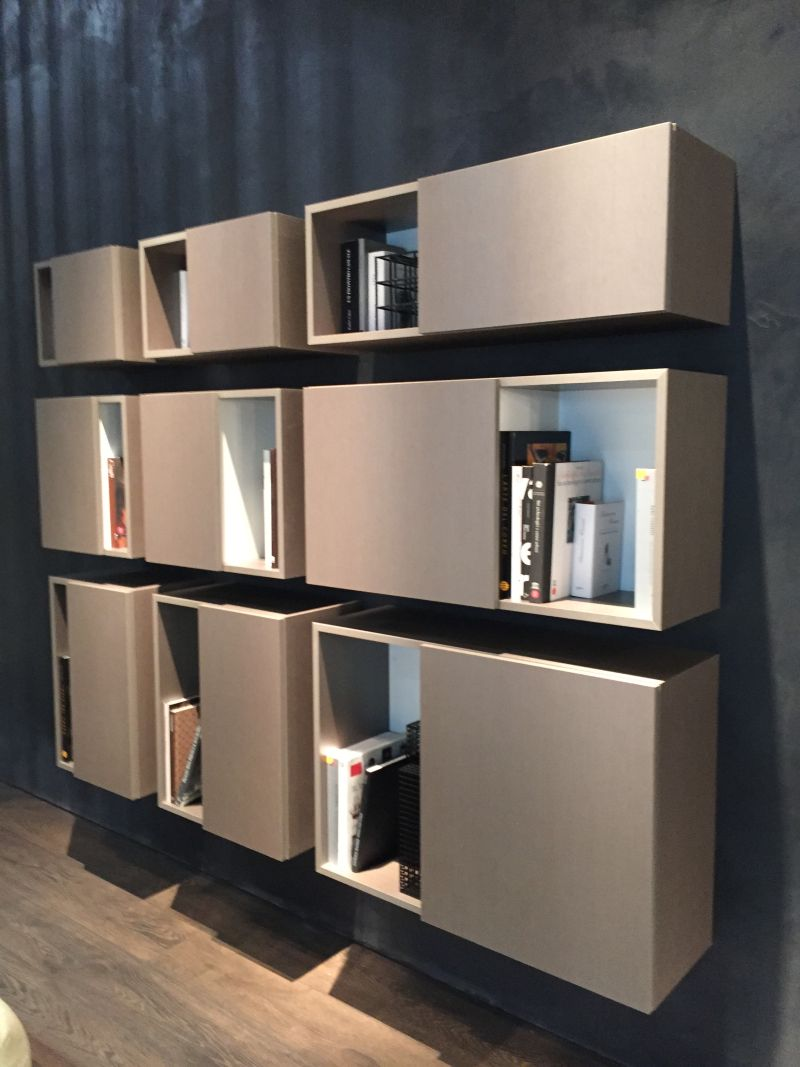 Wall floating bookshelves