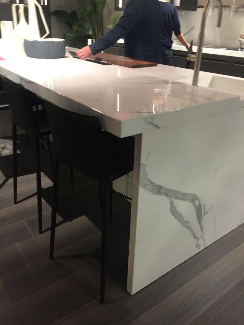 white marble kitchen island