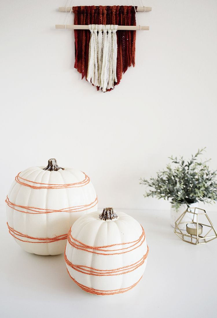 5 minutes pumpkin decor with yarn