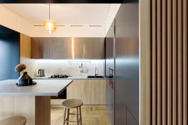 Inviting apartment with a warm and dynamic interior design for Dynamic kitchen design interiors