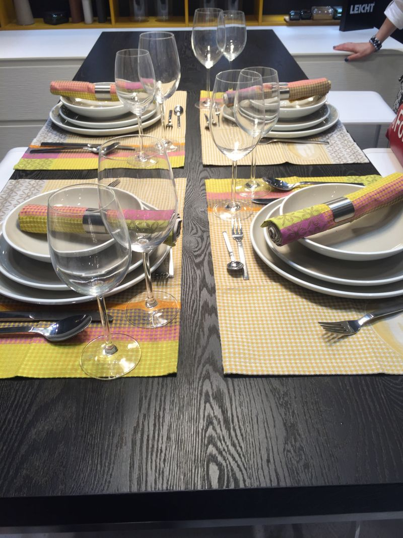 Arrange plates on table