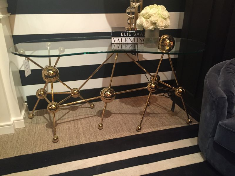 Atom style console table design