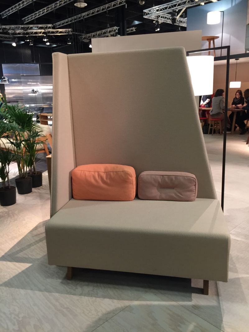 bench-with-a-tall-back-for-privacy