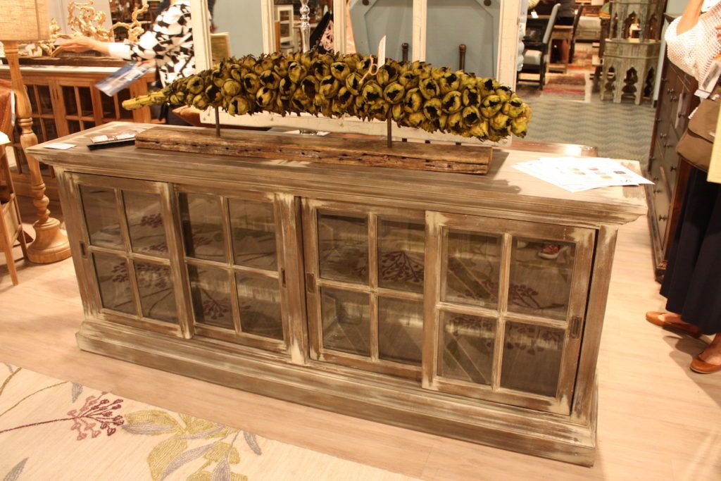 Country chic decor is perfect for mixing and matching for Sideboard glasfront