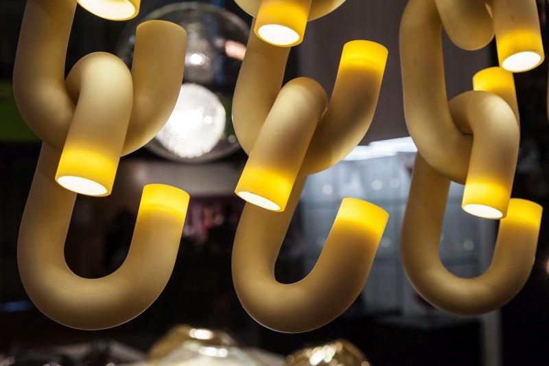 Caena chain lighting fixture