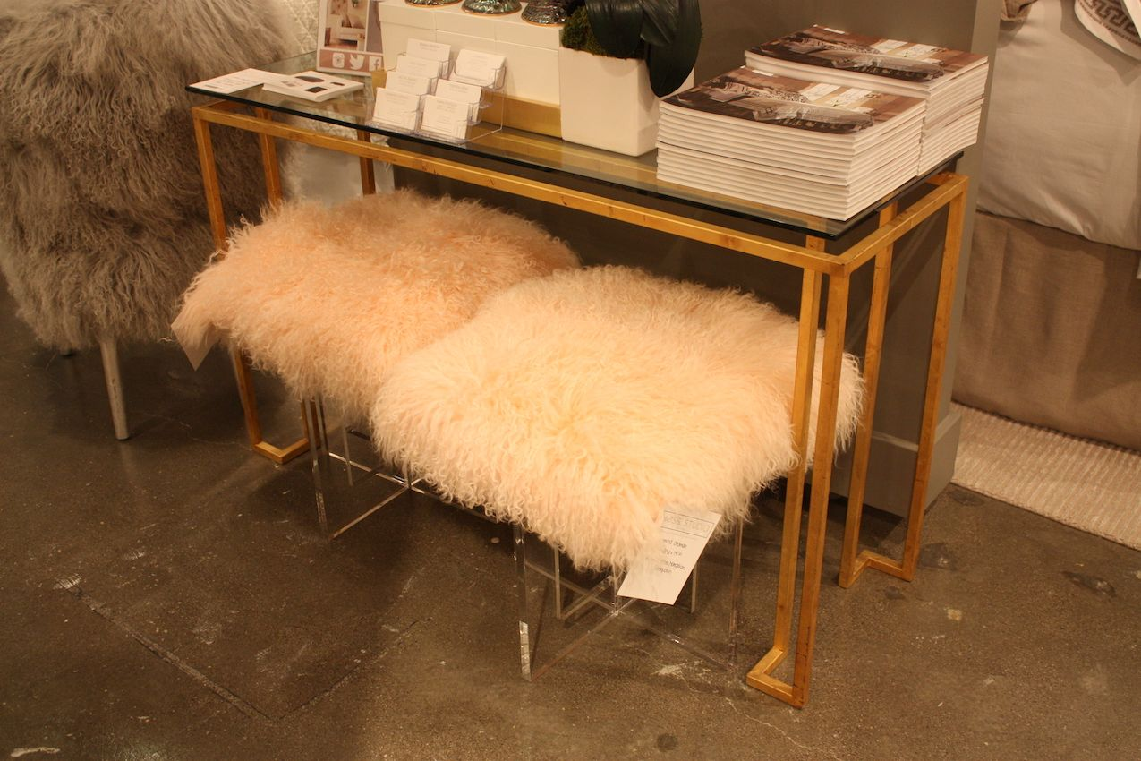 codarus-lucite-fur-stools