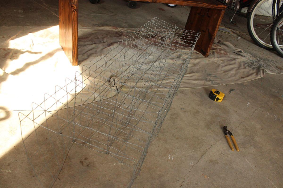 DIY Industrial Bench- wire storage