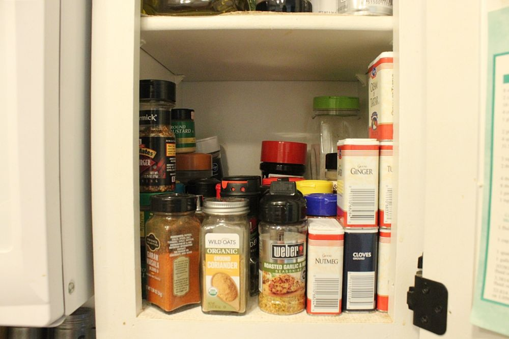 diy-spice-shelf-for-kitchen-pantry