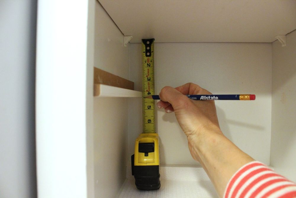 diy-spice-shelf-measure-and-mark