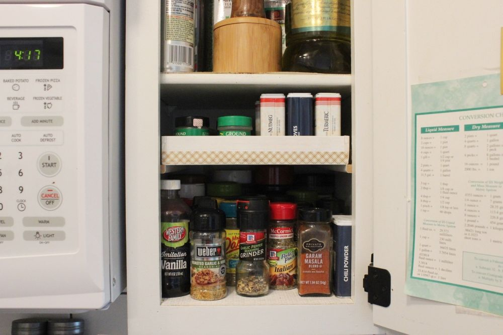 diy-spice-shelf-storage