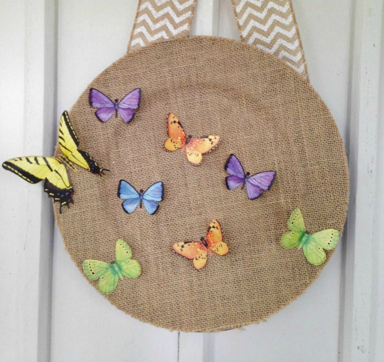 diy-butterfly-wreath-burlap