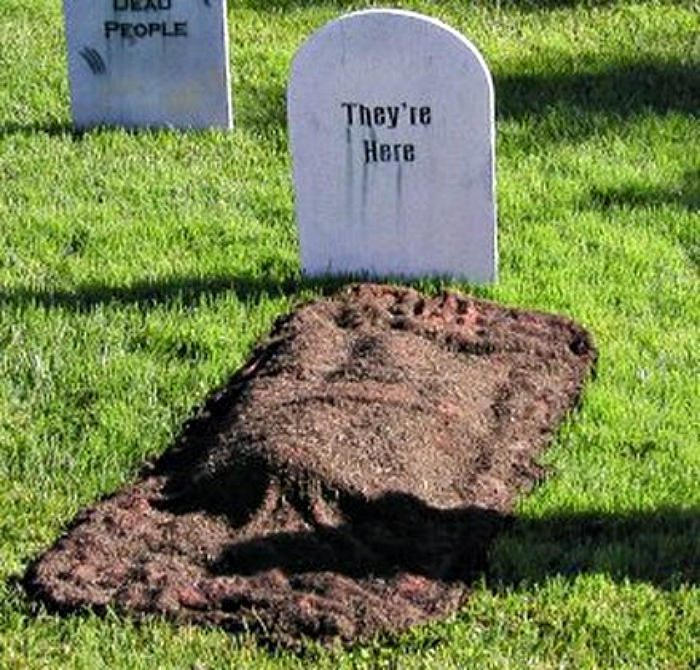 diy fresh grave - Diy Halloween Yard Decorations