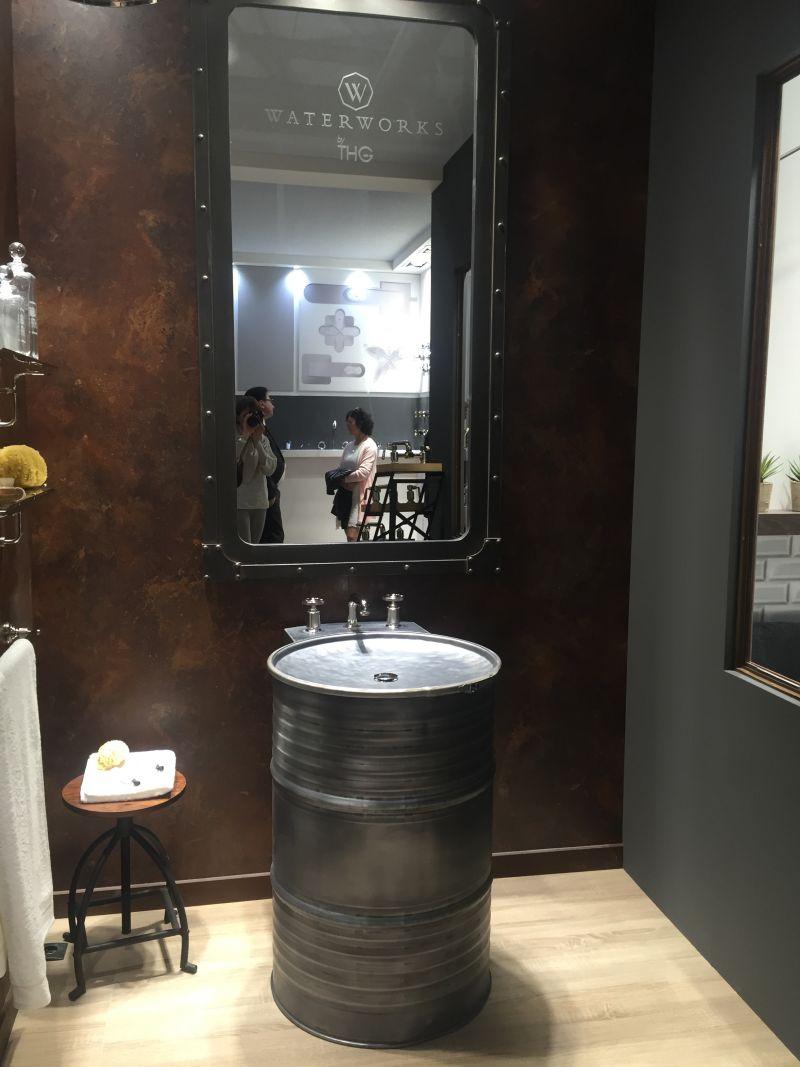 dark-chocolate-bathroom-sink