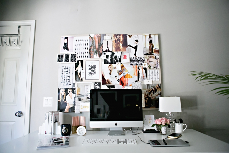 Decorate the office wall with magazine posters