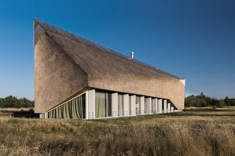 Dune House in Latvia roof proportions