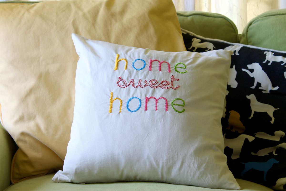 embroidered-home-sweet-home-throw-pillow-diy