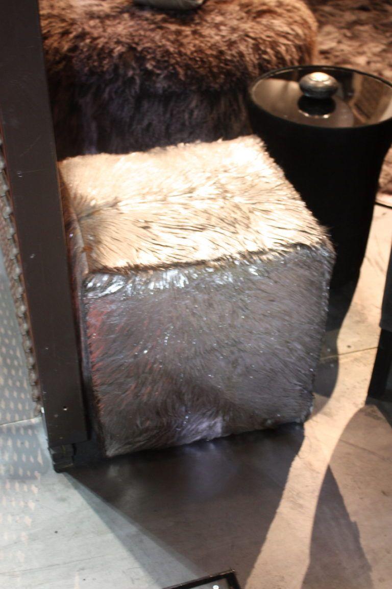 estetik-fur-cube-pouf