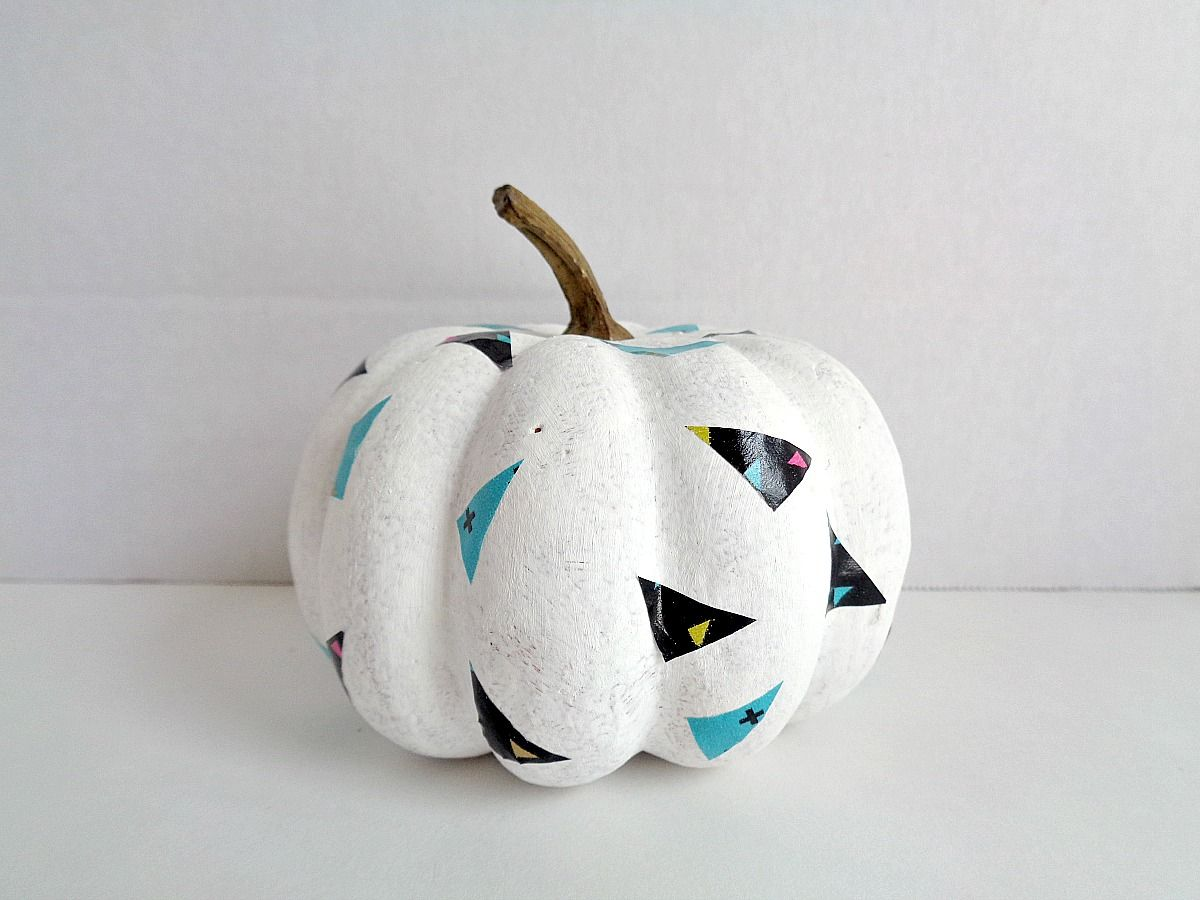 fake-pumpkins-using-washi-tape-thinner-washi-tape
