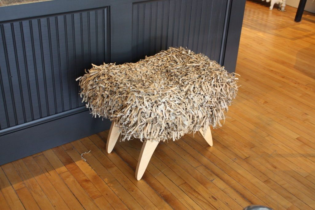 finch-fur-stool