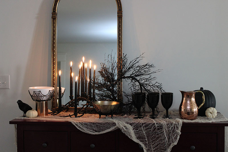 food-table-candles