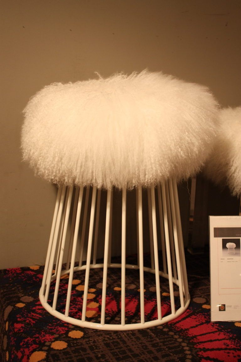 fur-wire-stool