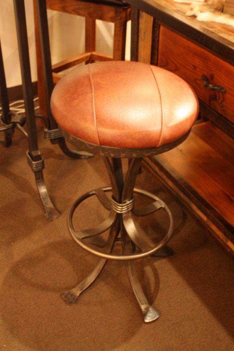 Gables bar stool