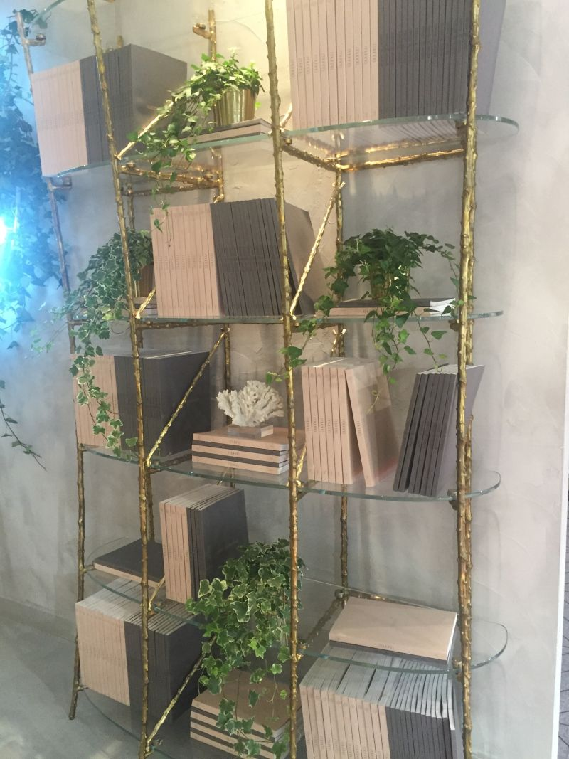 gold-branches-flora-bookcase