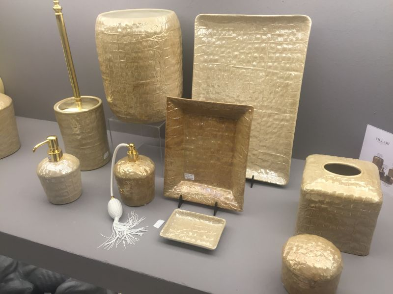 Bathroom accessories that let you tweak the decor to your for Gold bathroom accessories sets