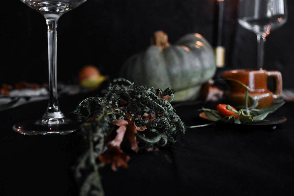 Halloween Table Setting Idea - Tableware