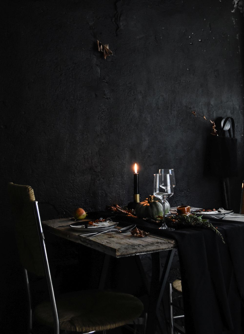 Halloween Table Setting Idea