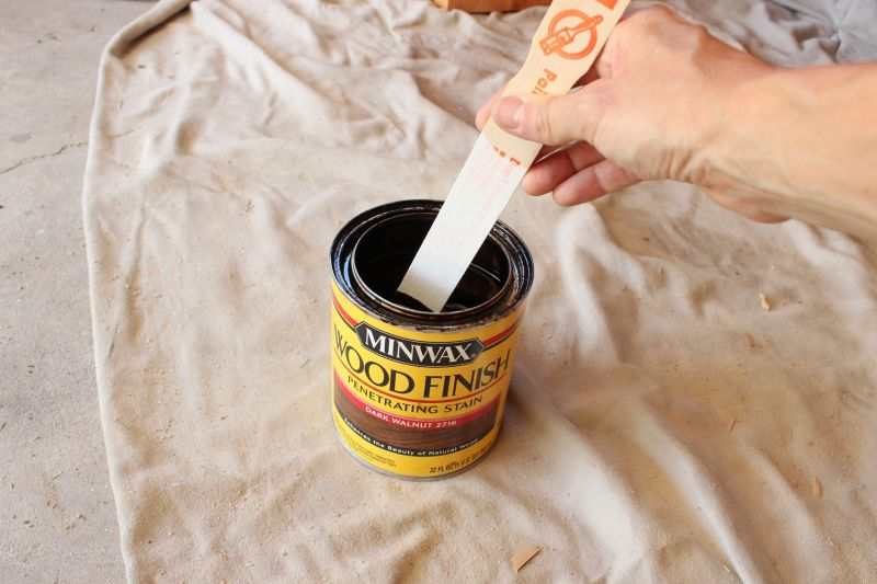 How to Stain Wood- Finish paint